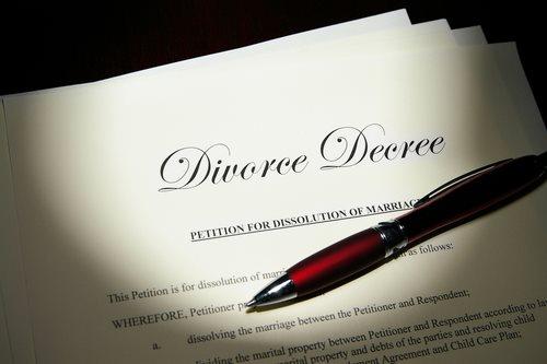 Did It Really Happen: Elizabeth Hurley Divorce