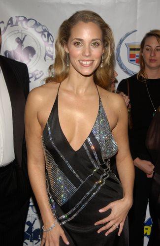 Elizabeth Berkley Celebrity Laws Com